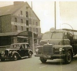 historical-lorry